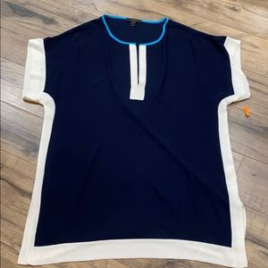 Blouse color block navy blue and white